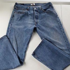 """LEVI'S MEN JEANS SIZE 34""""X32"""" STRAIGHT LEG BUTTON"""